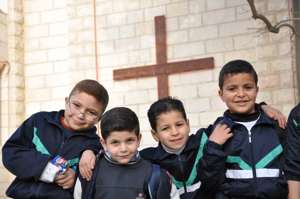Crianças cristãs de Gaza, perseguidas por extremistas islâmicos, podem rezar livremente em Israel